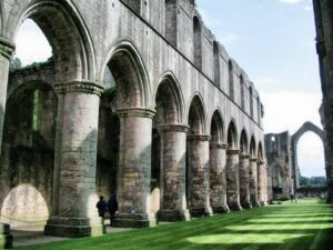 Fountains Abbey y Studley Royal en Inglaterra
